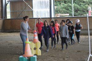 groupe d'enfants à l'école d'équitation Equival Valréas